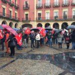 Concentración de trabajadores en la plaza del Ayuntamiento de Gijón en defensa del cumplimiento del Convenio Estatal de Restauración Colectiva